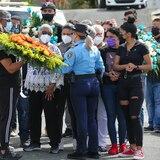 Decenas llegan a despedirse del agente Luis Marrero Díaz