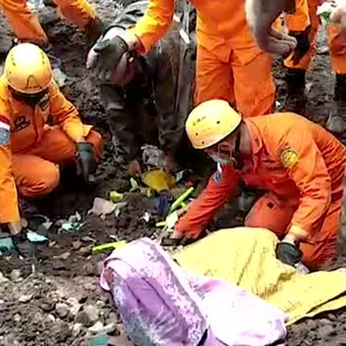 Caos en Indonesia por trágicas lluvias