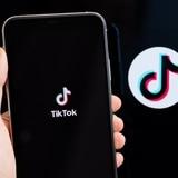 China está complacida por decisión de Estados Unidos sobre TikTok y WeChat