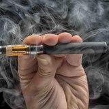 """Instagram prohíbe a los """"influencers"""" promocionar cigarrillos electrónicos"""