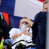 Estable jugador de Dinamarca que colapsó durante un juego de la EuroCopa