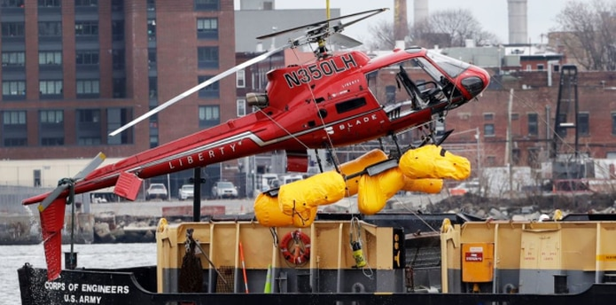 """Las grabaciones muestran que el piloto hizo un llamado de auxilio y gritó """"¡Mayday, mayday, mayday!"""" mientras la nave se desplomaba el domingo por la noche. (AP)"""
