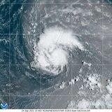 Sam alcanza fuerza de huracán en aguas del Atlántico