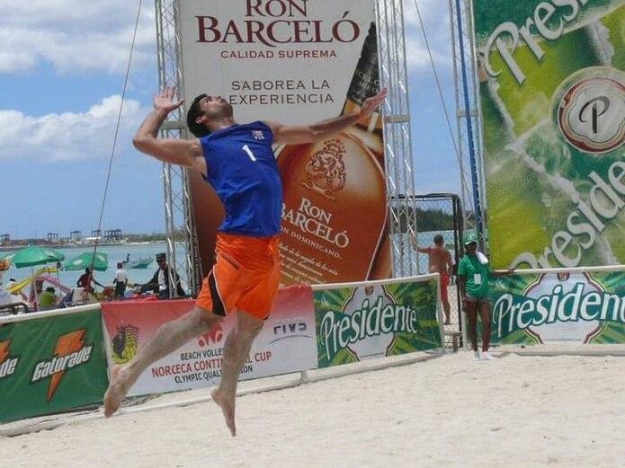 Pablo Guzmán es uno de los convocados a la preselección de voleibol playero. (Suministrada)