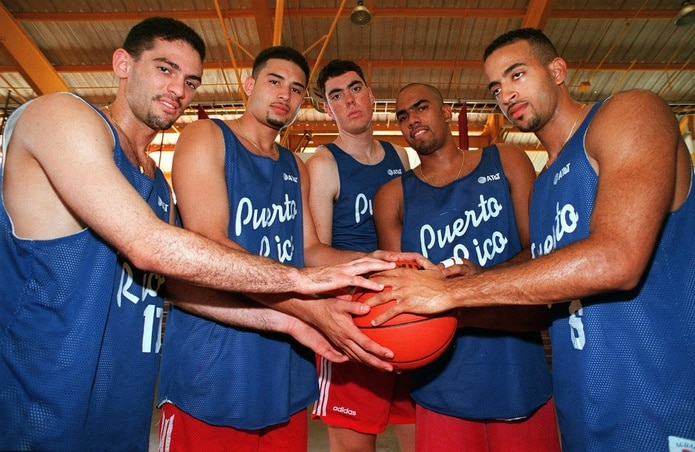De izquierda a derecha, Edgar Padilla, Rolando Hourruitiner, Daniel Santiago, Carlos Vázquez y Carmelo Travieso antes de iniciar el Mundial Sub-22. (Archivo)