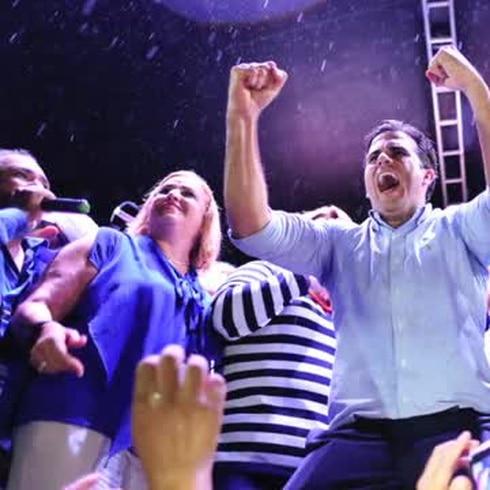 Celebración azul