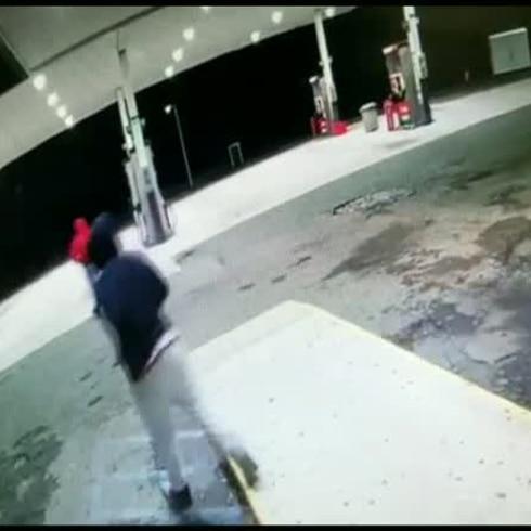 Se buscan por robo en gasolinera de Naranjito