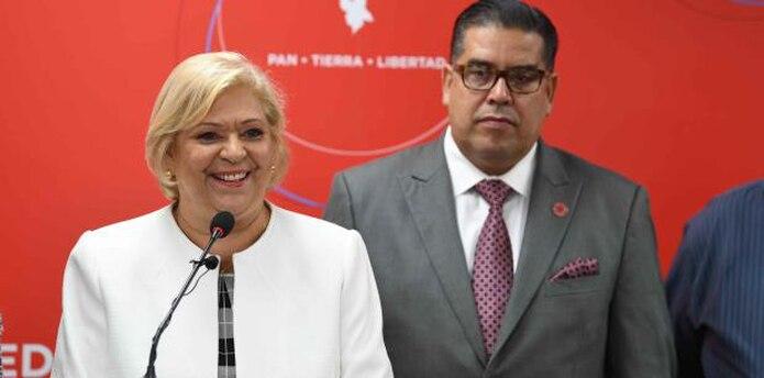 """Monge junto al portavoz popular en la Cámara, Rafael """"Tatito"""" Hernández. (luis.alcaladelolmo@gfrmedia.com)"""