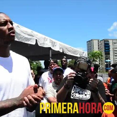 Carmelo Anthony dedica al pueblo cancha en San Juan
