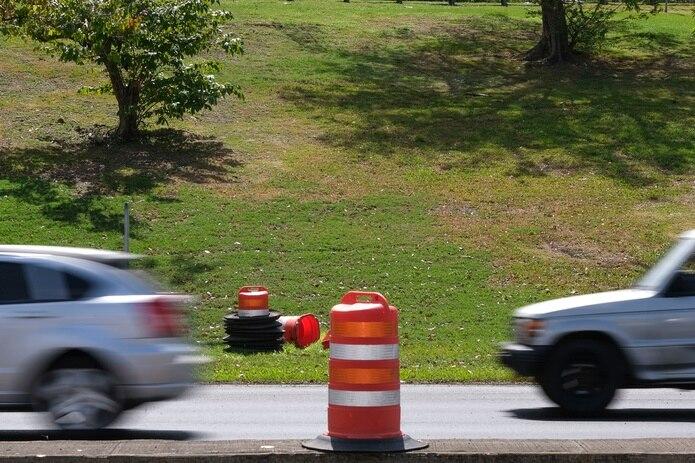 Se exhortó a los conductores a estar atentos a las señales y otros dispositivos para el control del tránsito en el área.