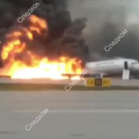 Poco mas de una decena de muertos tras accidente aereo en Moscú
