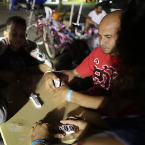 Una noche en las entrañas de un refugio castigado por sismos