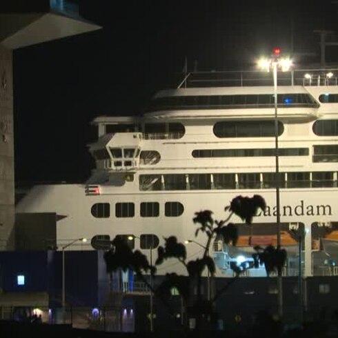 Turistas atrapados en un crucero contagiado con COVID-19