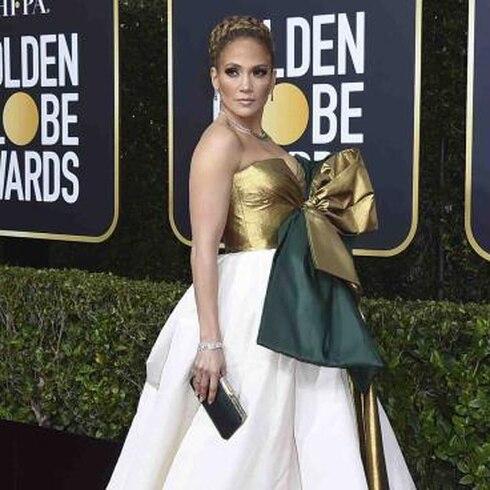 Estrellas desfilan en la alfombra de los Golden Globes 2020