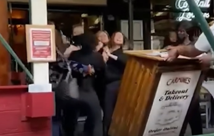 El incidente ocurrió en el restaurante Carmine's, ubicado en el Upper West Side de la ciudad de Nueva York.