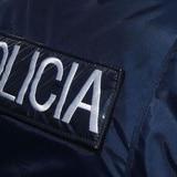 Motociclista le arrebata cartera a una mujer en Isla Verde