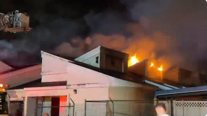 Al menos la mitad del edificio resultó dañada gravemente.