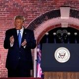 300 excolaboradores de republicanos apoyan a Biden
