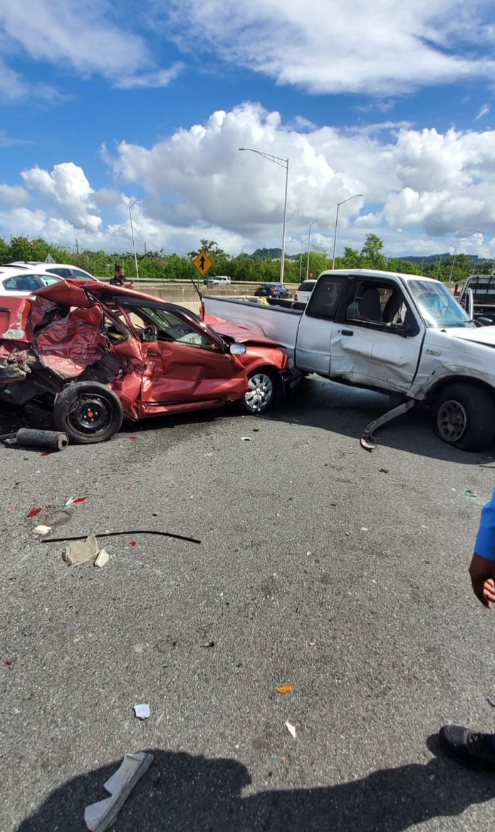 El accidente fatal ocurrió en la carretera PR-5 en dirección a Bayamón y el puente de la avenida Los Millones.