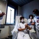 Esperanza en Europa tras la llegada de vacunas previo a fiestas de fin de año
