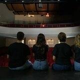 """Falta de luz en el Teatro Arriví pospone el estreno de """"No se lo digas por Zoom"""""""