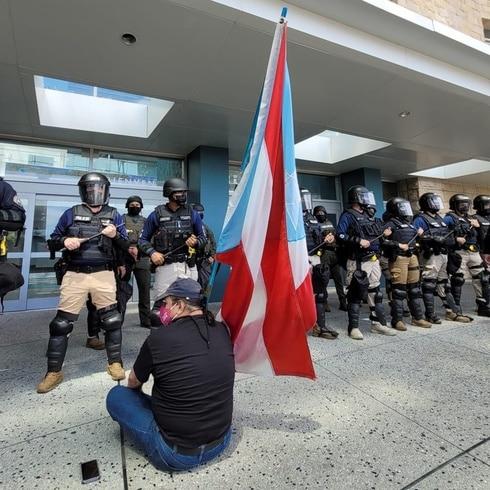 Protesta durante reunión de la Junta de Supervisión Fiscal
