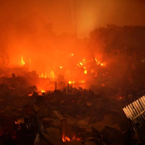 Este fuego monstruoso destruyó 10,000 hogares