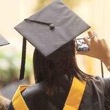 Lares entrega entre $125 y $200 a todos sus graduandos de escuela superior