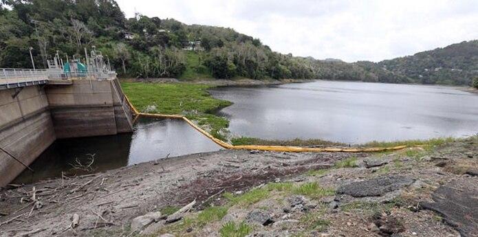 El embalse recibe entre 30 millones y 35 millones de galones de agua al día, y se extraen entre 50 millones y 55 millones de galones. (Archivo)
