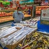 Trazas de coronavirus llegan a China en las importaciones congeladas de Latinoamérica