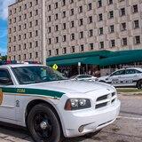 Juez niega ayuda pública para acusada de ahogar a su hijo autista en Miami
