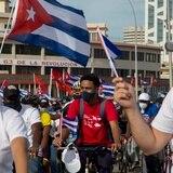 Miles de comunistas marchan por el Malecón de La Habana y recuerdan a Fidel Castro