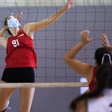 Grupo de voleibolistas exhiben sus talentos ante reclutadores de universidades