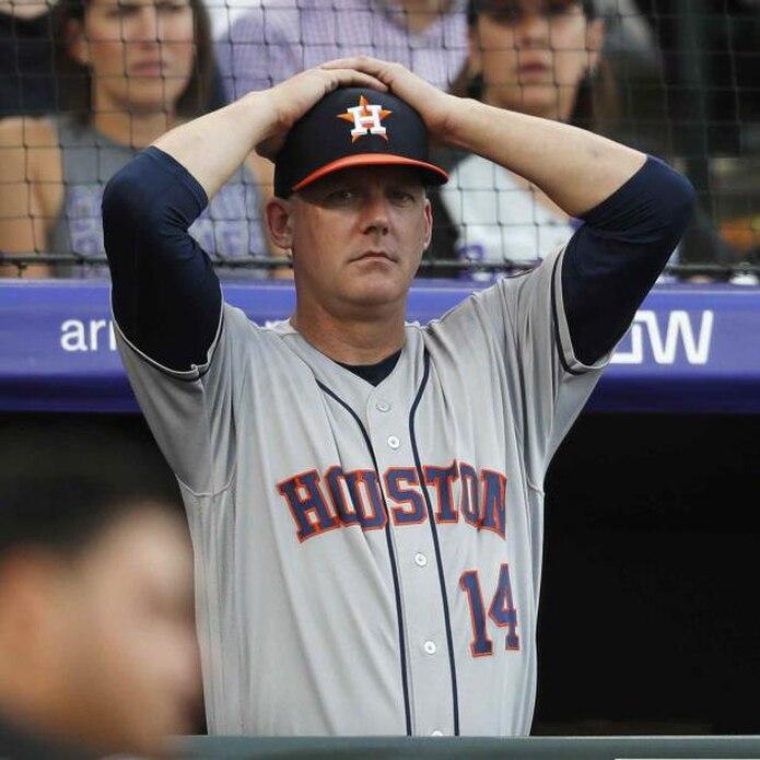 AJ Hinch fue suspendido por un año y despedido como dirigente de los Astros de Houston. (AP)