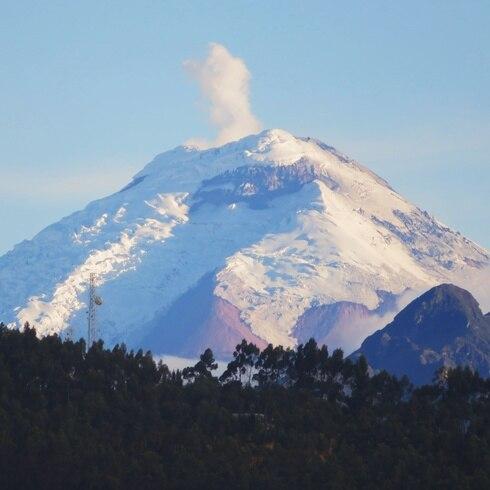 Conoce los volcanes de Ecuador desde la mirada de un puertorriqueño
