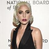 Lady Gaga se disculpa por canción con R. Kelly