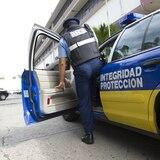 Empleado de seguridad se hiere por accidente con su arma en Ponce