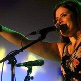 Cantautora Mónika Nieves dedica canción al Puerto Rico post terremotos