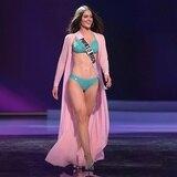 Estefanía Soto emociona al modelar en bañador durante la preliminar de Miss Universe