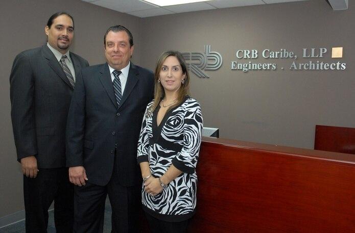 Socios miembros de la Junta de Directores de CRB Caribe, de izquierda a derecha, los ingenieros Jose Sánchez, Thomas Forester y Rosa Pérez.