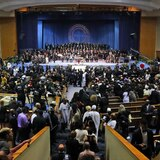 Funeral de Franklin llena iglesia de oraciones y estrellas