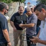 FEMA entrega equipos para mejorar comunicaciones de emergencia en las islas municipio