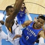 Brutal juego de Westbrook mantiene con vida al Thunder