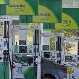Michigan: gobernadora pide aumento de impuesto en la gasolina