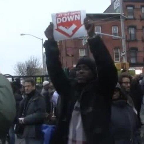 Rinden homenaje a policías asesinados en Nueva York