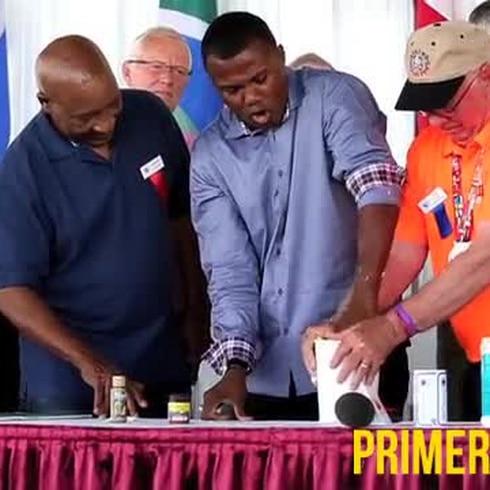 Ceremonia del molde de los puños en el Salón de la Fama