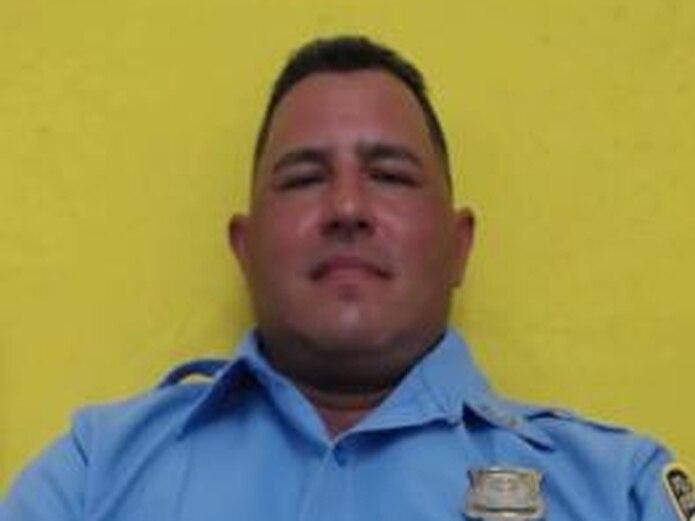 El agente Erasmo García Torres, adscrito a la Unidad Motorizada de Ponce, fue asesinado de varios impactos de bala en medio de una persecución.