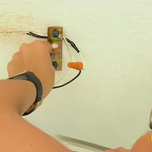 Aprende a cambiar una lámpara de techo con estos sencillos pasos