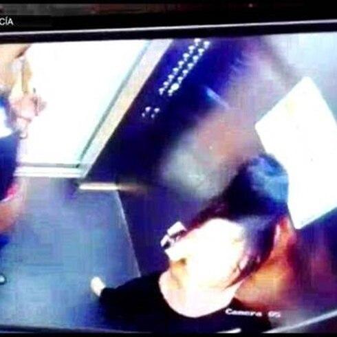 Captan a futbolista agrediendo a su novia