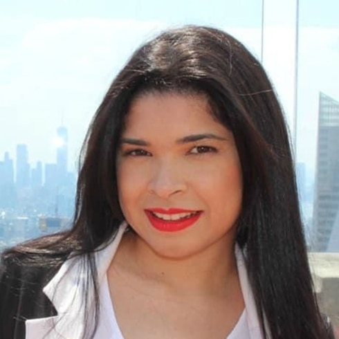 Joven boricua Liz Carher, del bullying a Broadway